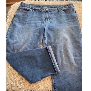 Jennifer Lopez Capri Jeans Size 16